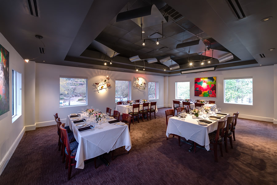 Image of the Amerigo's Grille Lido Room set for a private dining event.