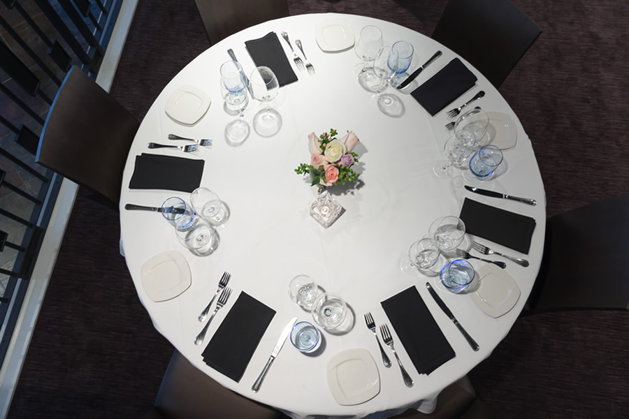 Image of a table set for dinner in the Amerigo's Grille Terrazzo.