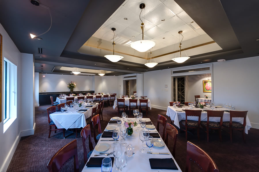 Image of the Amerigo's Grille Venetian Room set for a private dining event.